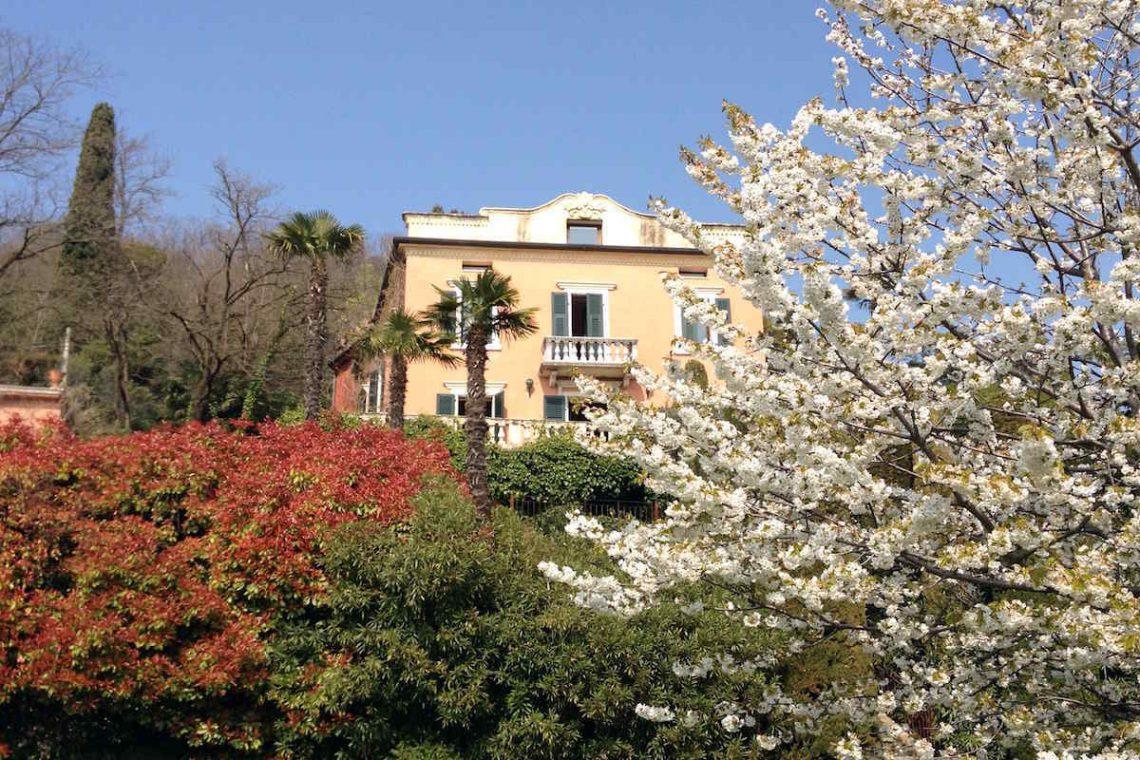 Historic villa Lake Garda sale with stunning lake view 13
