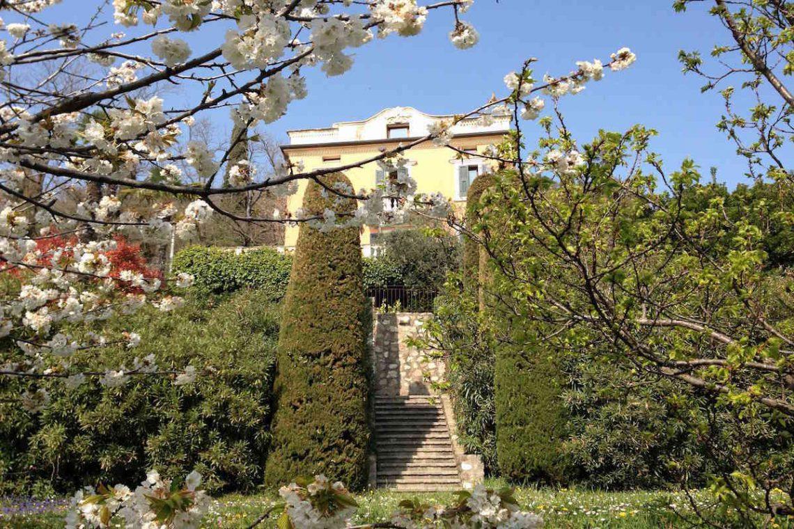 Historic villa Lake Garda sale with stunning lake view 14
