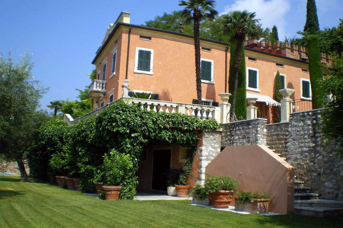 Historic villa Lake Garda sale with stunning lake view 20