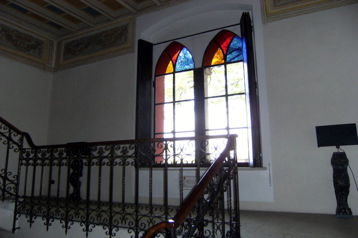 Historic villa Lake Garda sale with stunning lake view 28