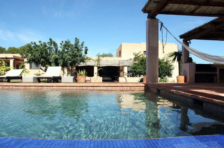 Luxury villa Formentera rent with swimming pool and tub