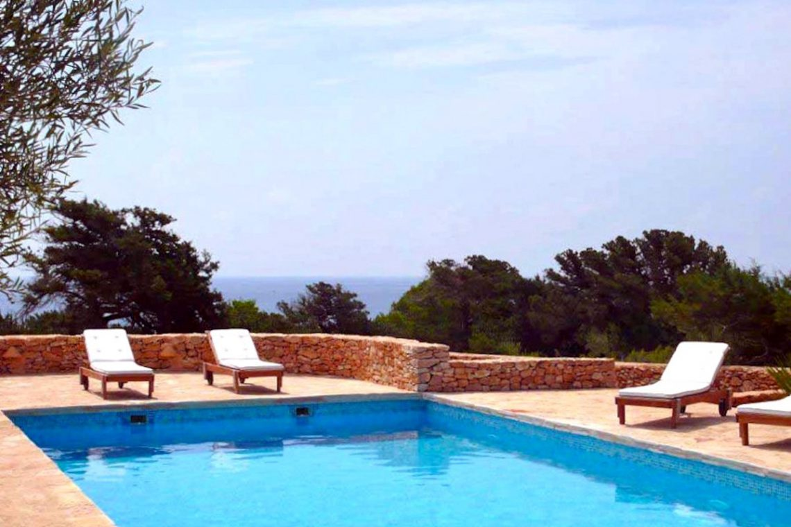 Villa Formentera rent with pool and sea view 02