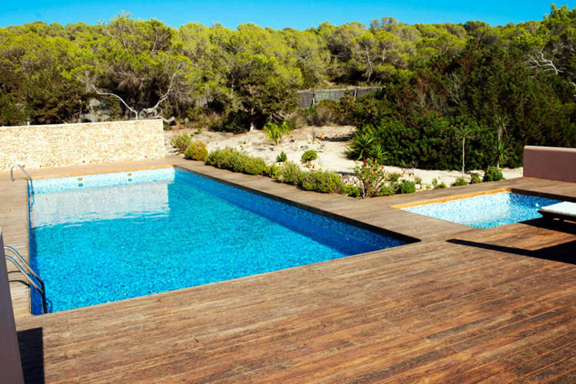 Waterfront villa Formentera rent with 2 pools 14
