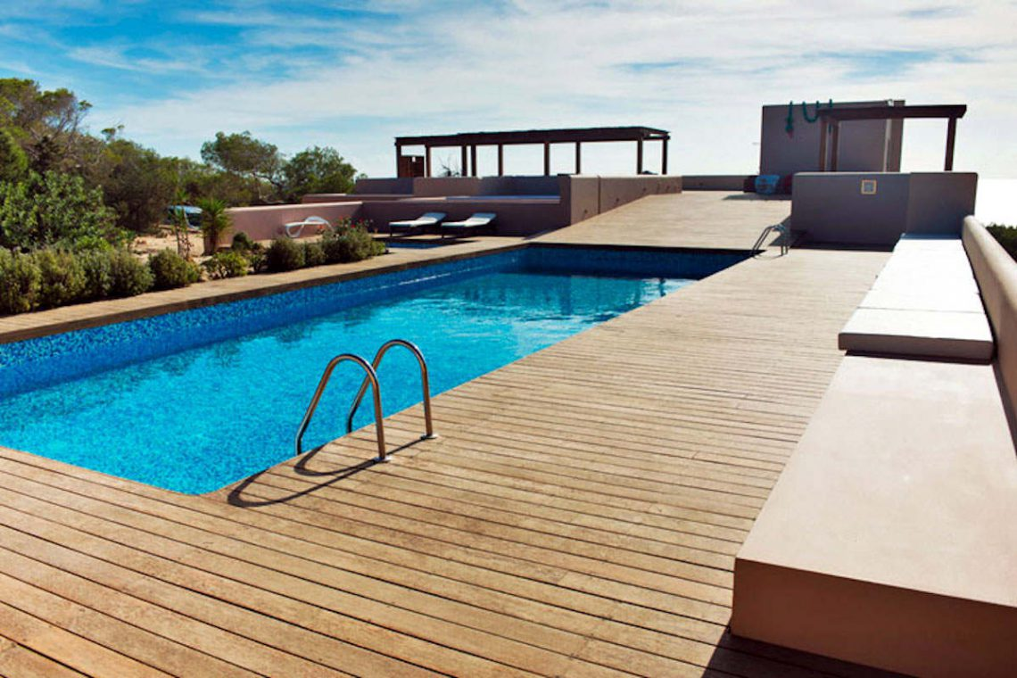 Waterfront villa Formentera rent with 2 pools 16