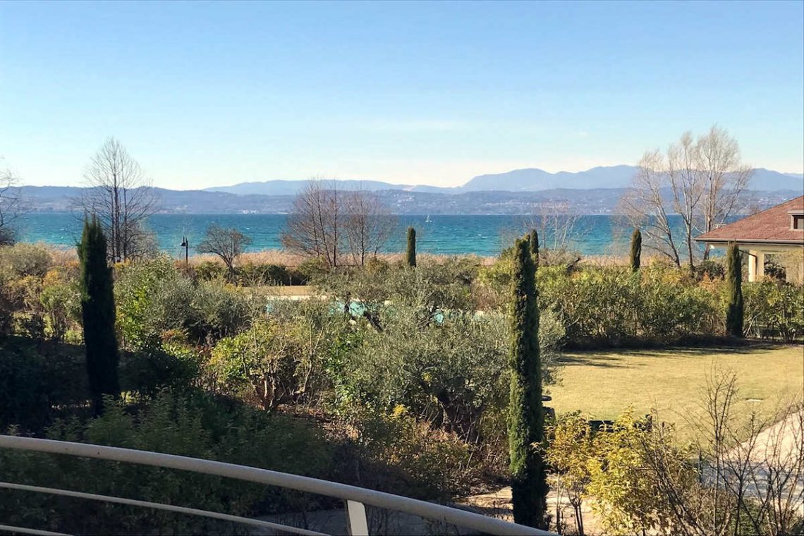 Lake view apartment Sirmione Lake Garda waterfront 01