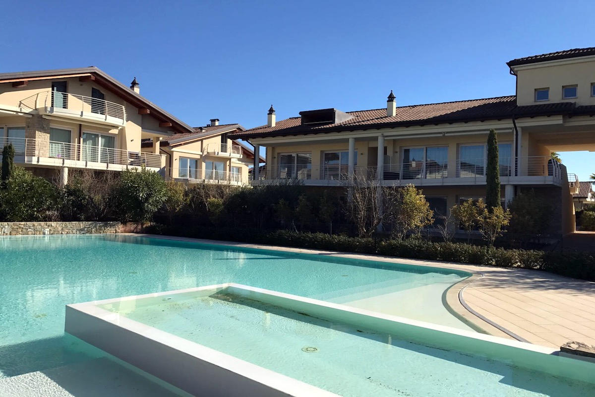 Lake view apartment Sirmione Lake Garda waterfront