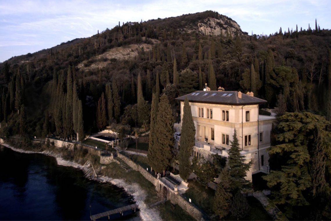 Lake Garda luxury Villa for rent on lake shores 03