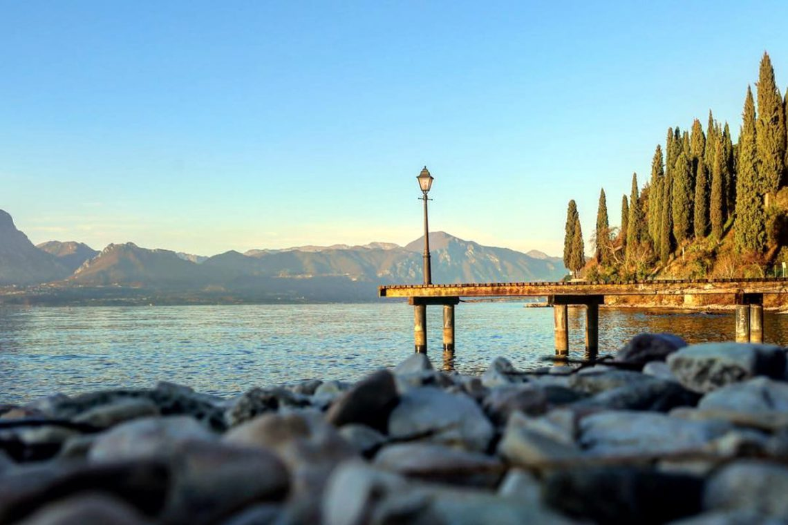 Lake Garda luxury Villa for rent on lake shores 04