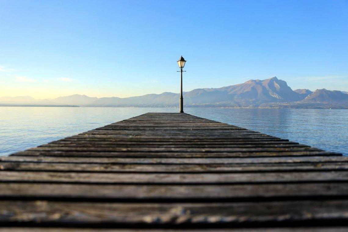 Lake Garda luxury Villa for rent on lake shores 05