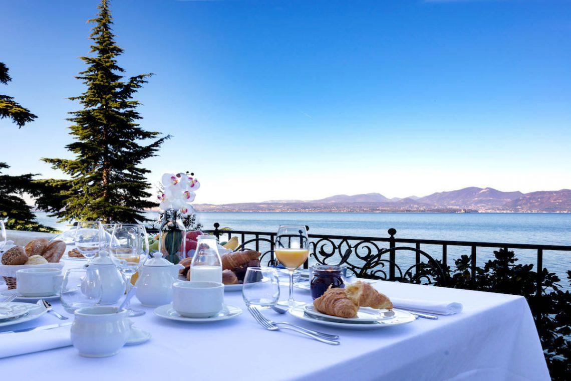 Lake Garda luxury Villa for rent on lake shores 06