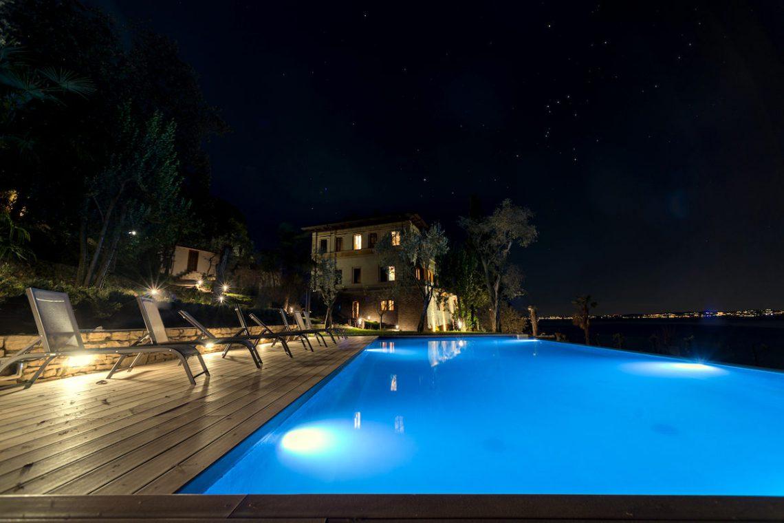 Lake Garda luxury Villa for rent on lake shores 21