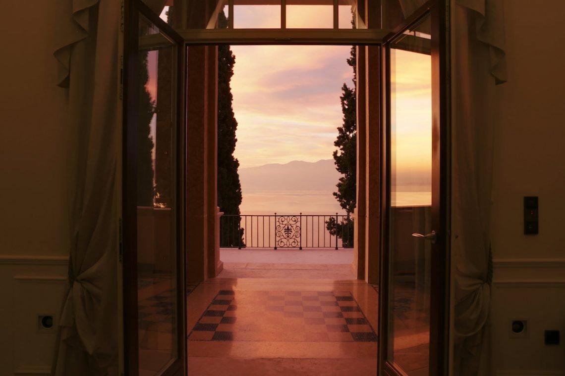 Lake Garda luxury Villa for rent on lake shores 41