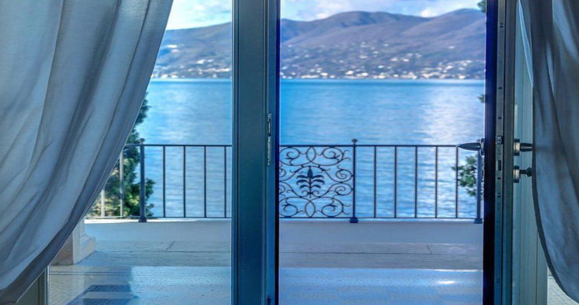 Lake Garda luxury Villa for rent on lake shores slider