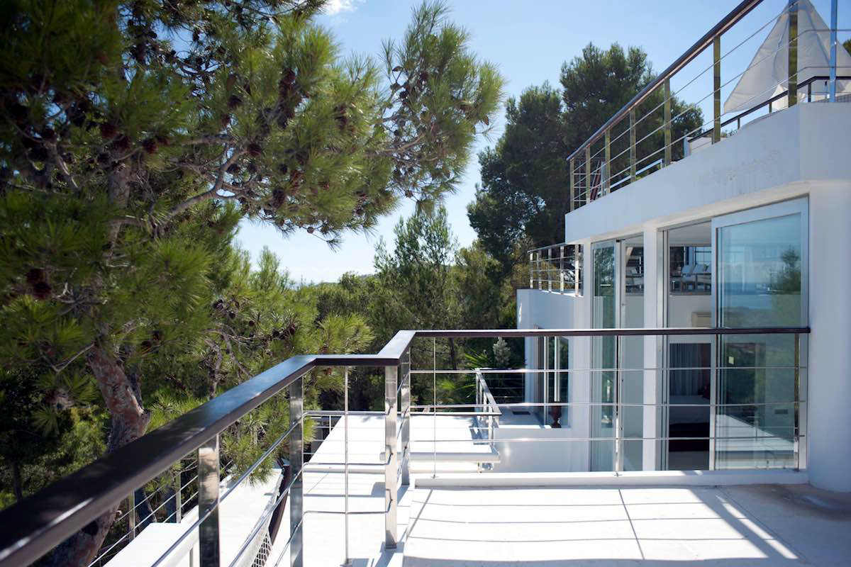 Luxury Villa Ibiza for Rent with 5 Stars Service
