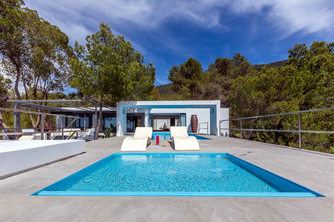 Luxury villa Ibiza rent with infinity pool and great sea views 03
