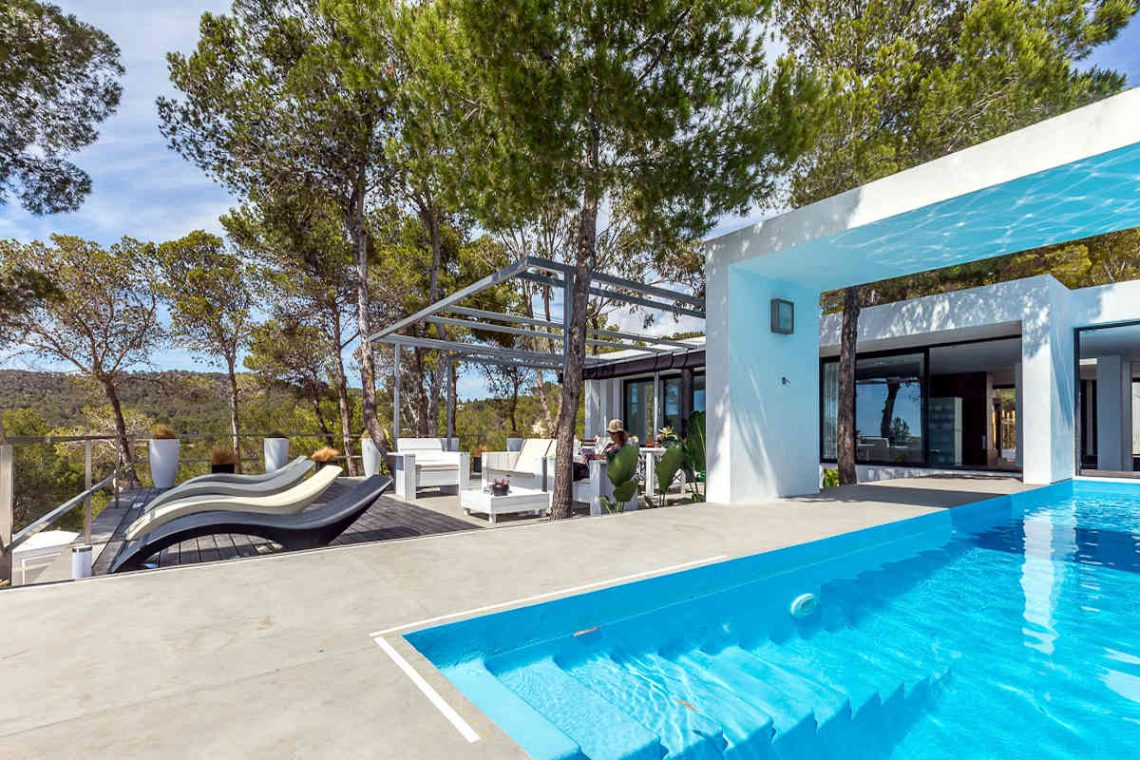 Luxury villa Ibiza rent with infinity pool and great sea views 04