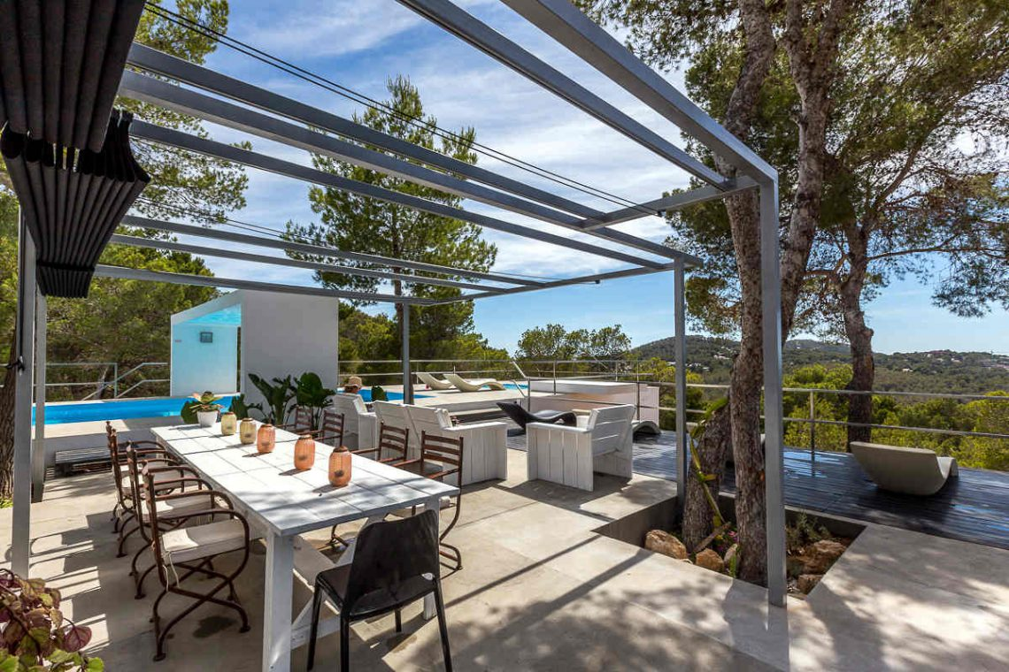Luxury villa Ibiza rent with infinity pool and great sea views 05