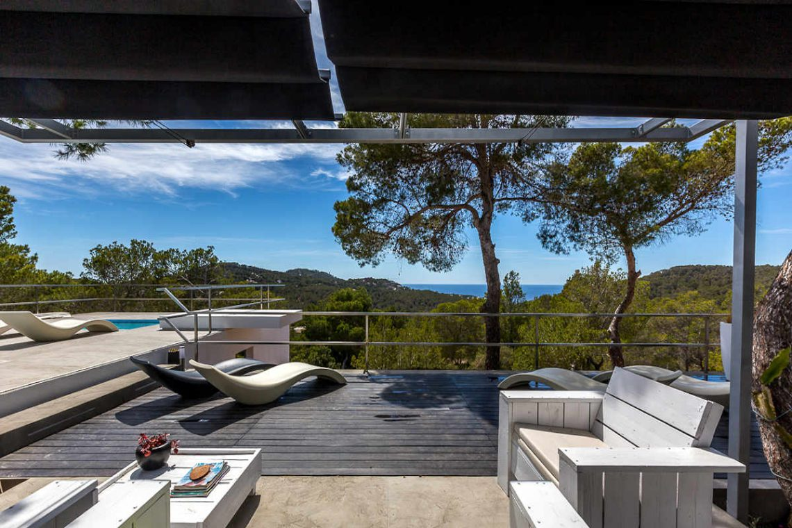 Luxury villa Ibiza rent with infinity pool and great sea views 06