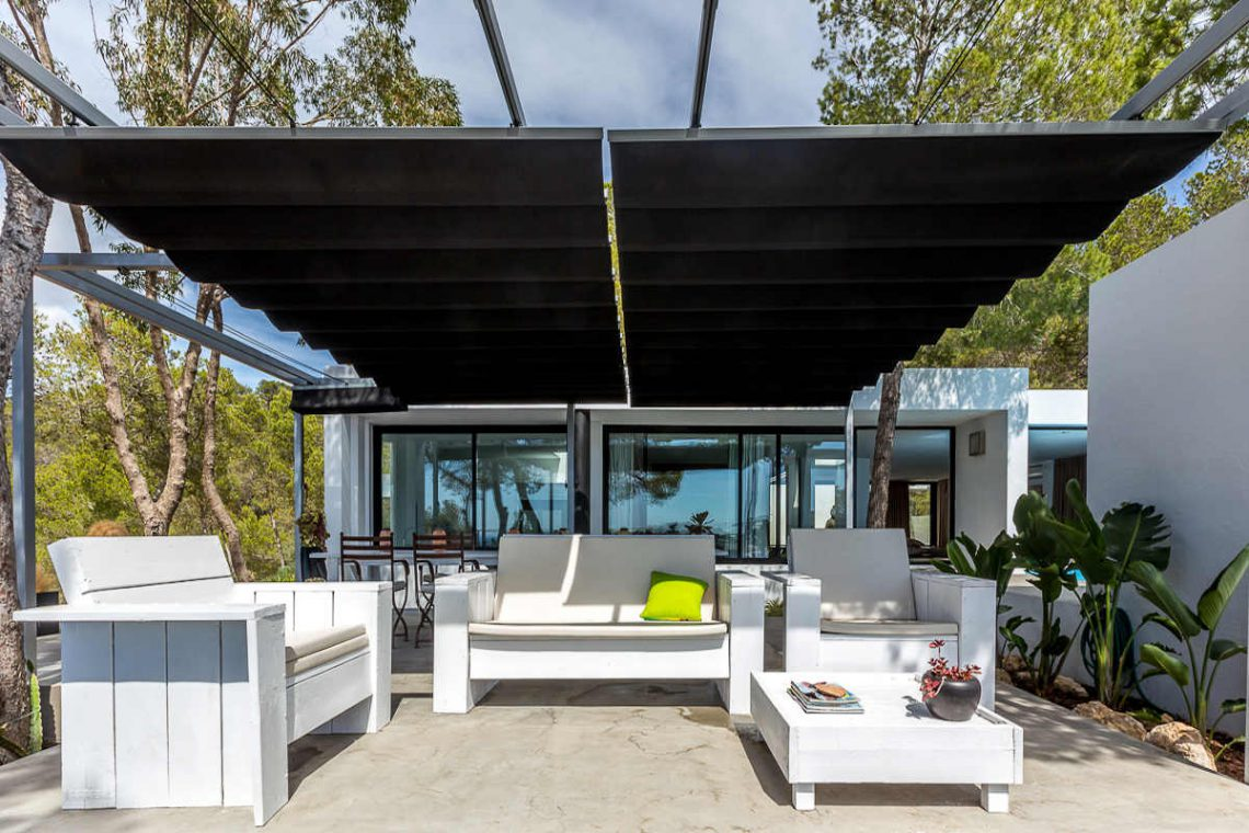 Luxury villa Ibiza rent with infinity pool and great sea views 09