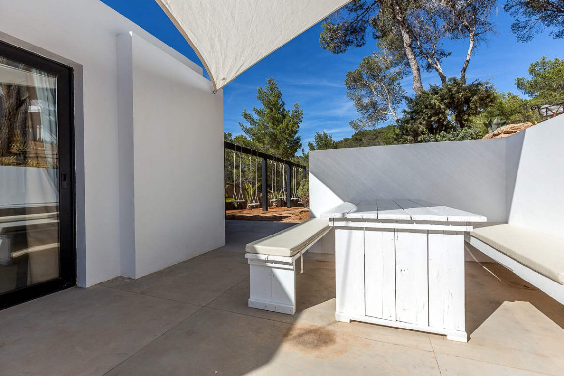 Luxury villa Ibiza rent with infinity pool and great sea views 32