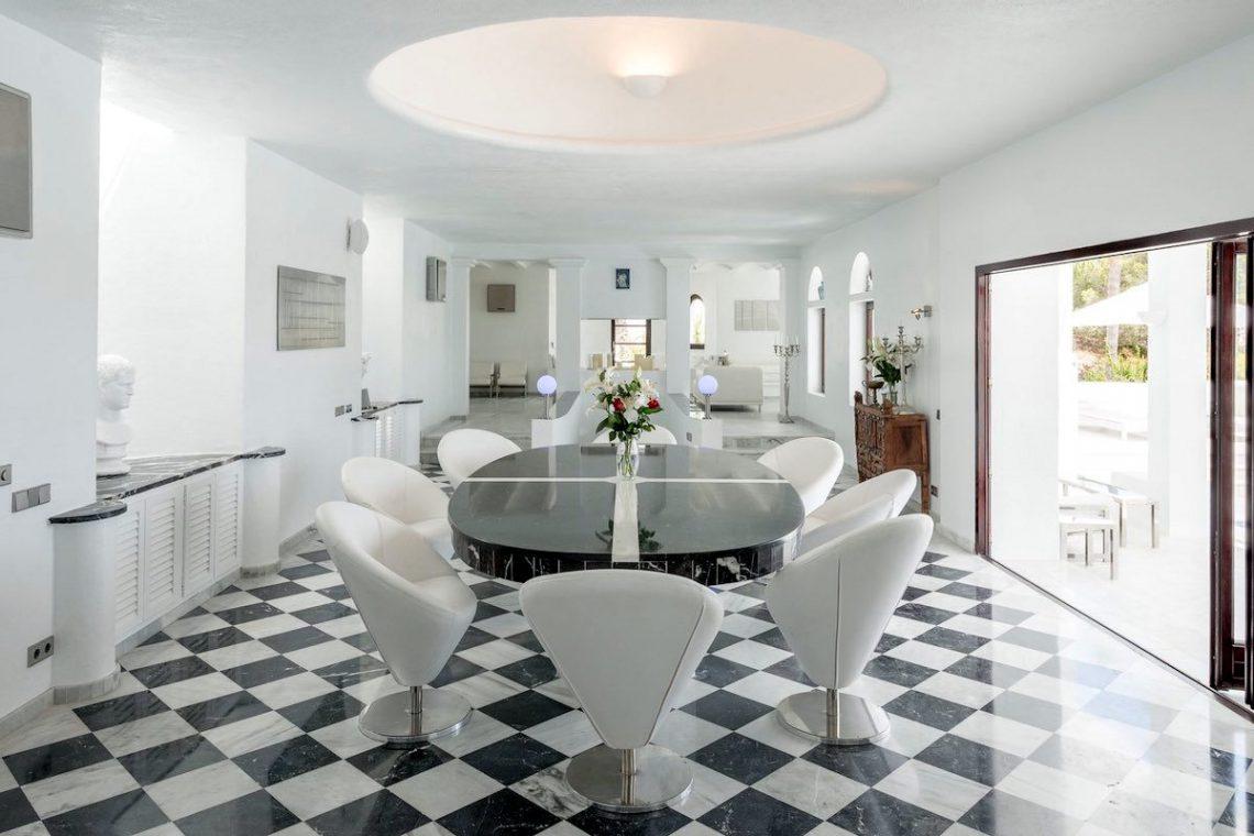 Waterfront luxury villa Ibiza for rent 13