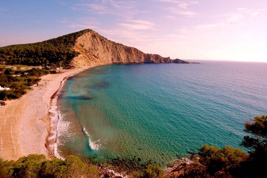Waterfront luxury villa Ibiza for rent 37