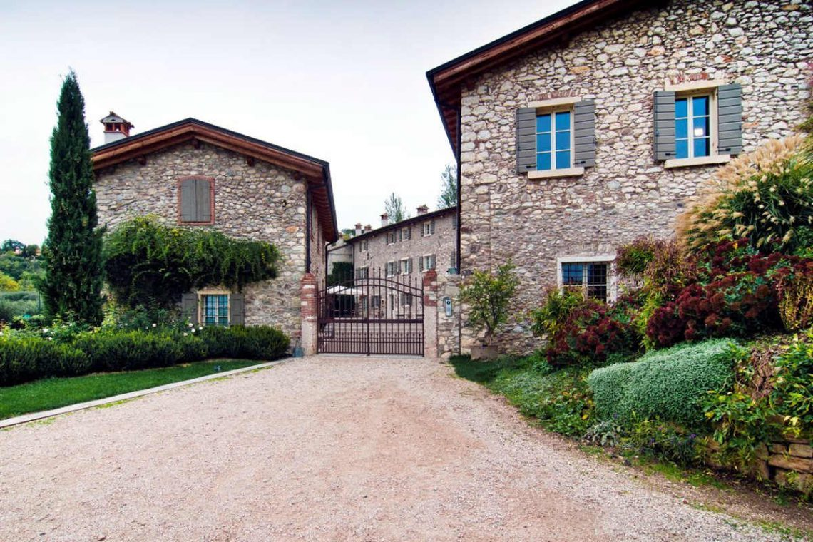 Winery Bardolino for sale with lake view 11