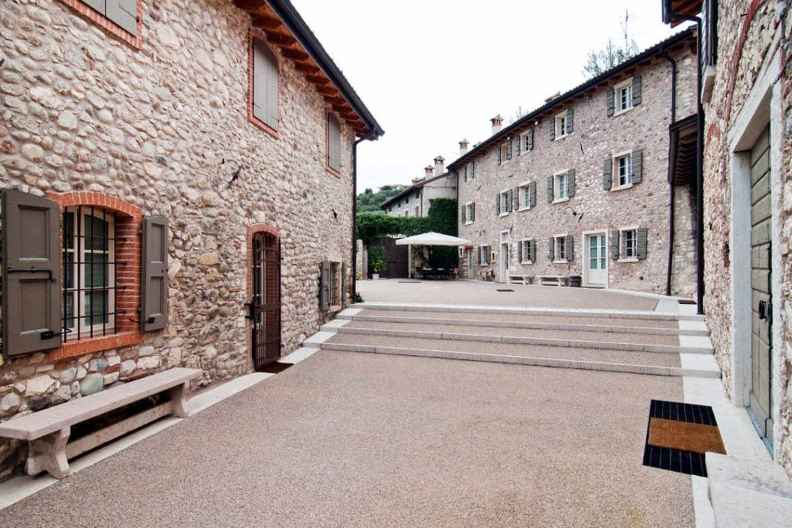 Winery Bardolino for sale with lake view 12