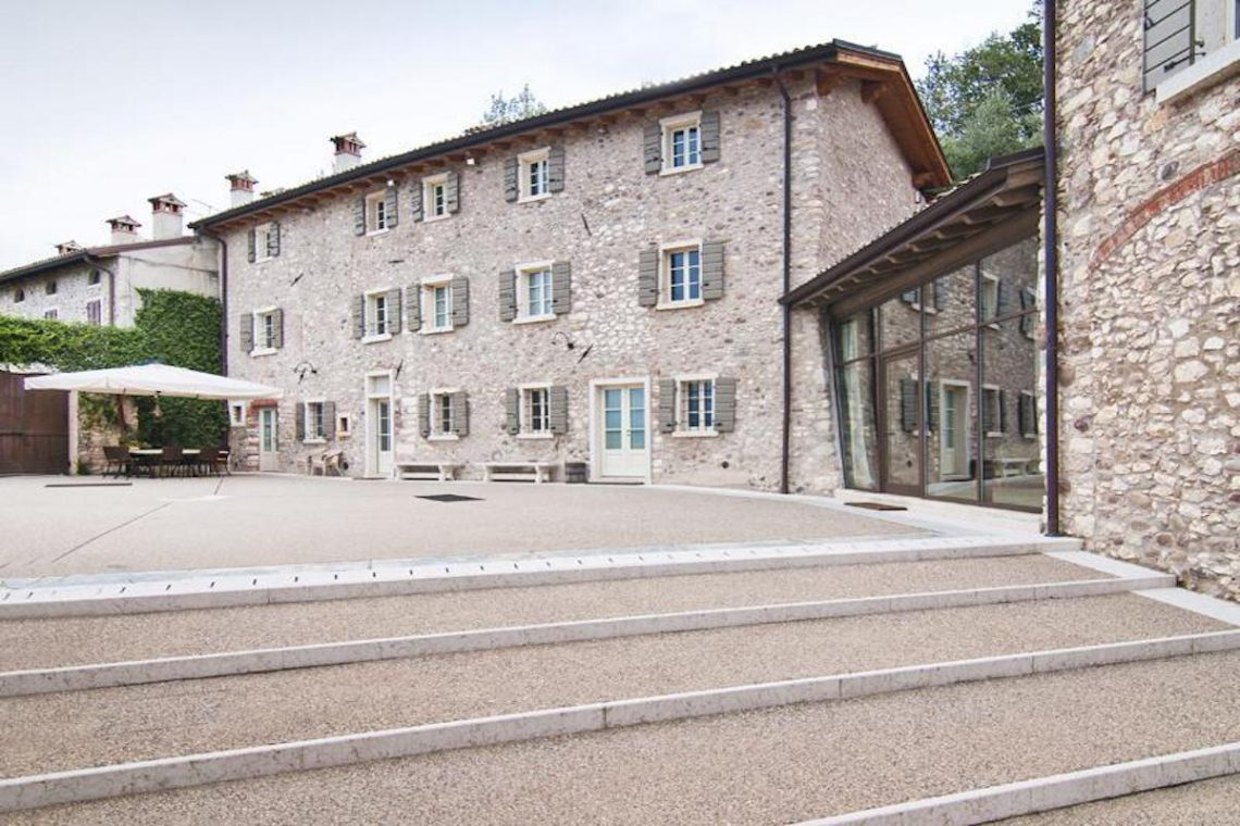 Winery Bardolino for sale with lake view 13