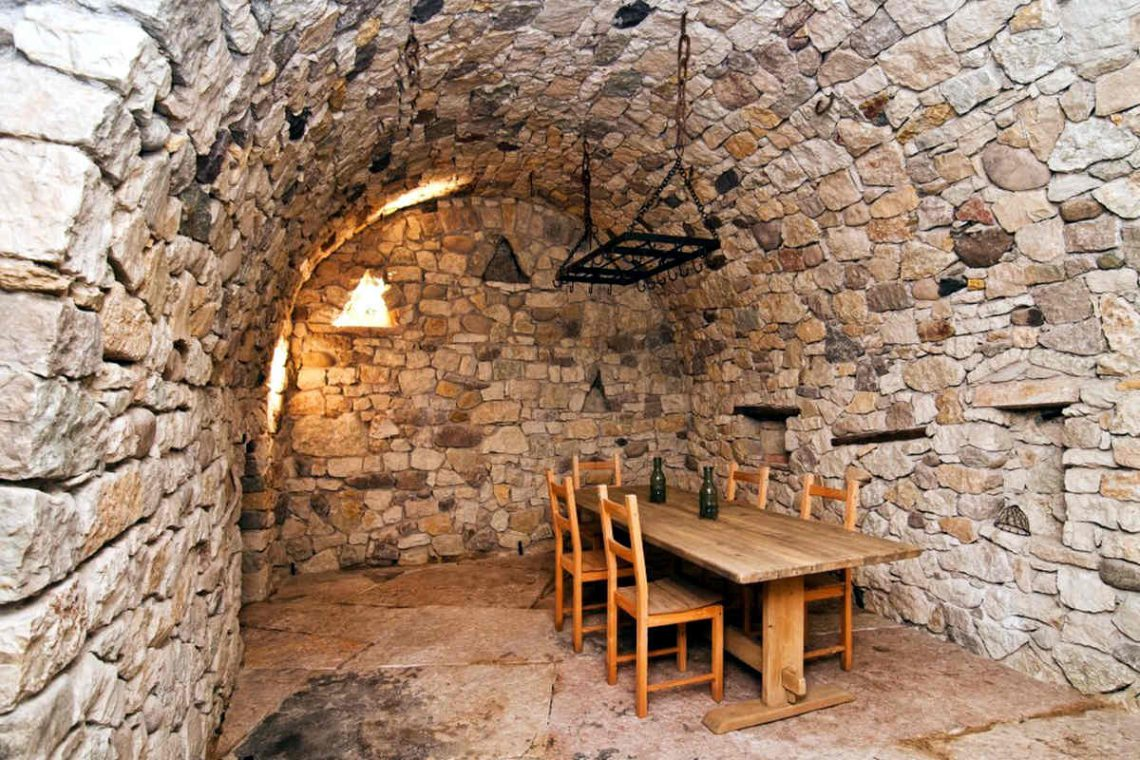 Winery Bardolino for sale with lake view 23