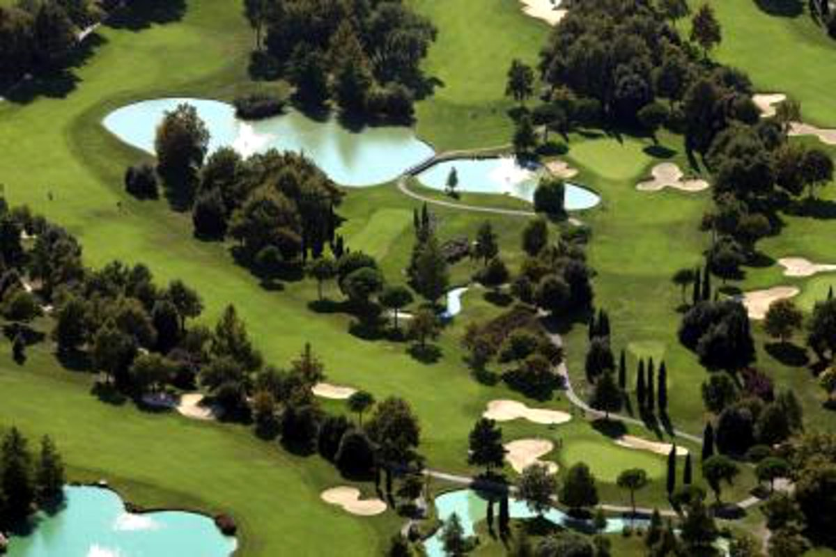 Garda Golf villa for sale near golf club