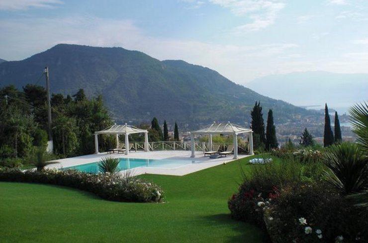 Lake view villa Salo for sale Lake Garda Italy