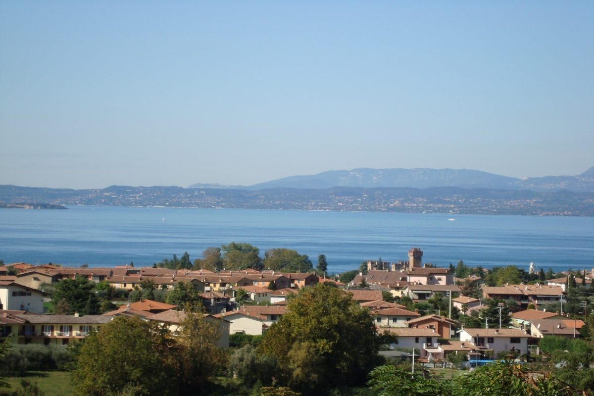 Villa Lake Garda for rent with indoor pool