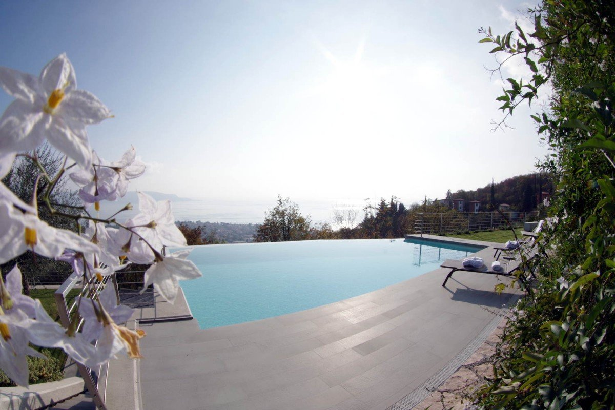 Luxury Villa Toscolano Maderno for Rent