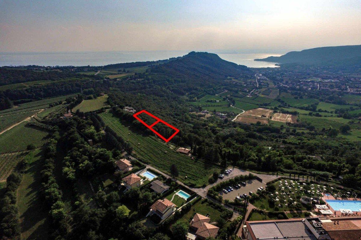 Building area Lake Garda with lake view