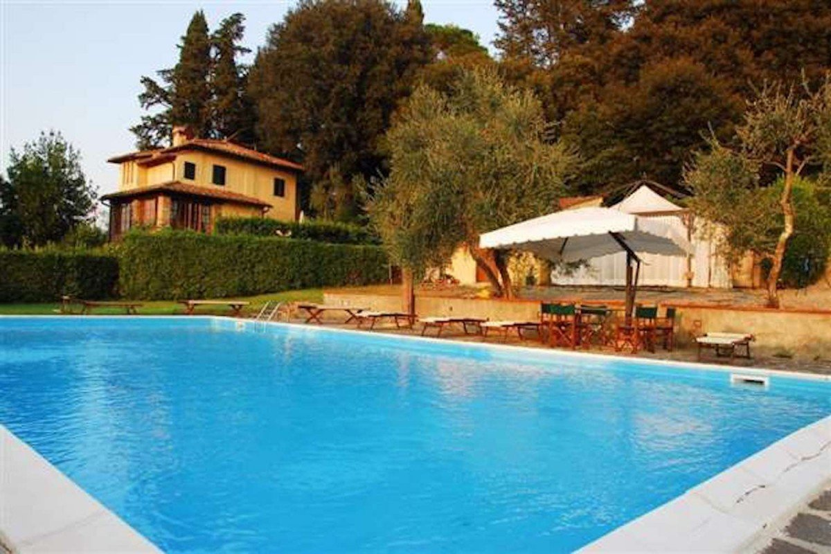 Winery in Chianti for sale of 300 Hectares (741,316 Acres)