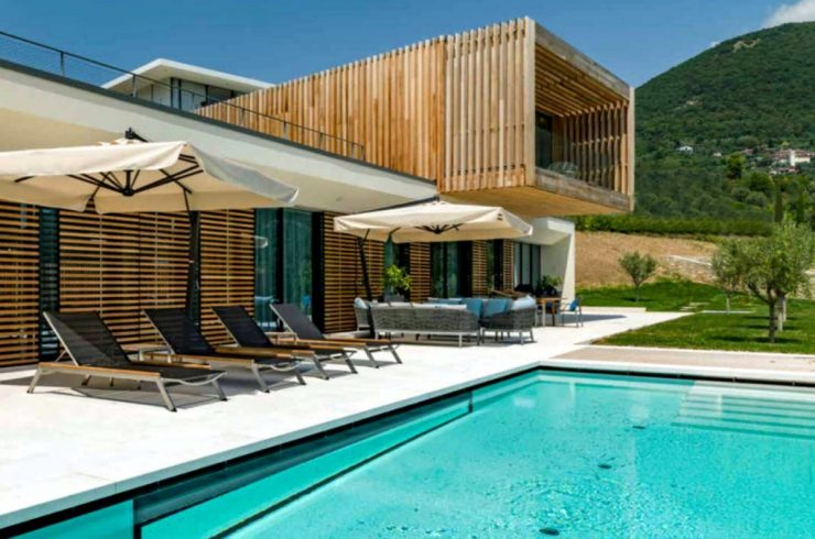 Villa at Lake Garda with modern design