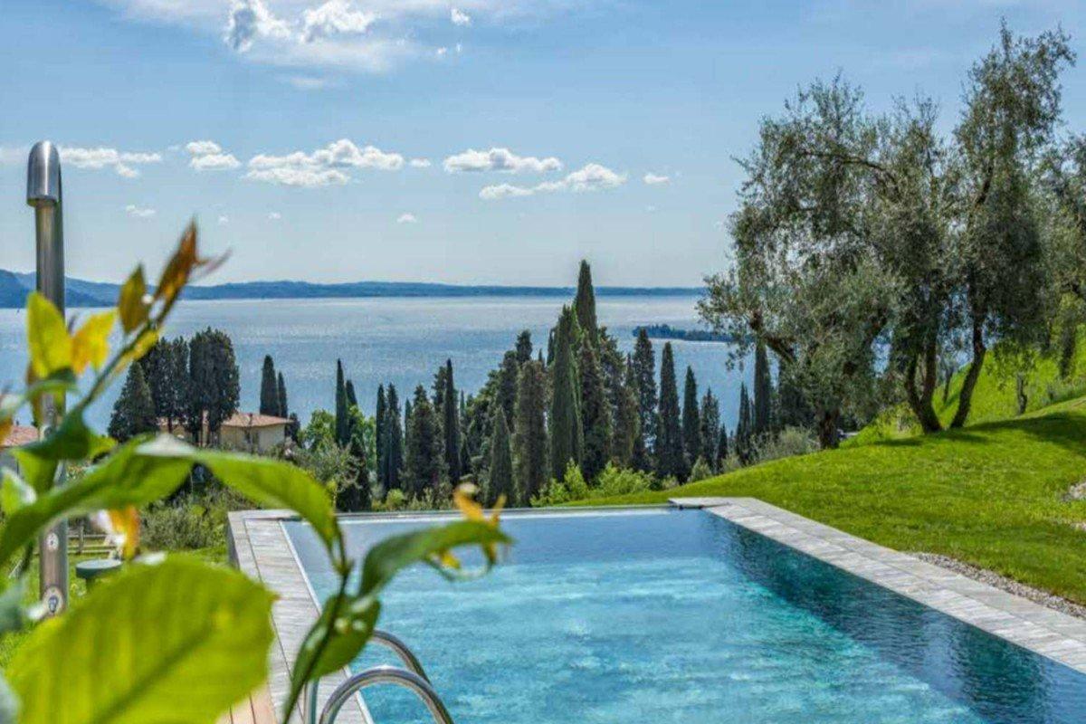 Luxury Villa at Lake Garda with modern design