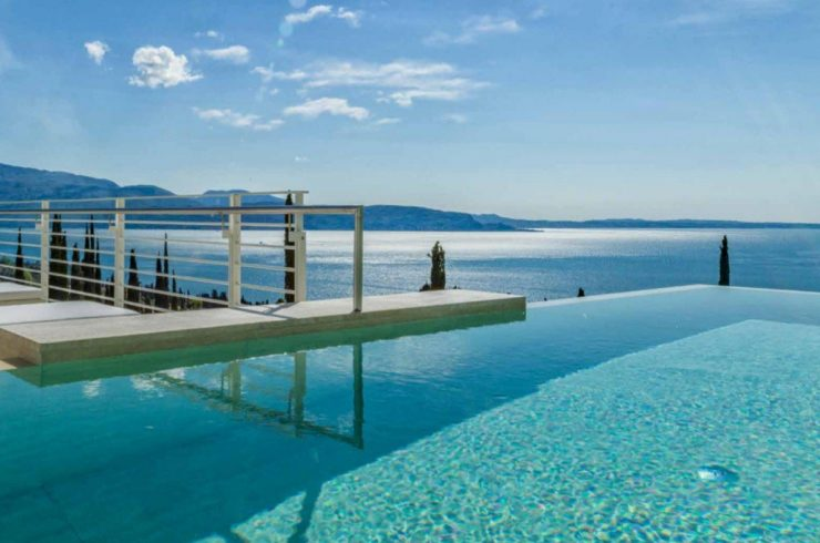 Confidential: Villa for sale Lake Garda in 5-Stars Resort