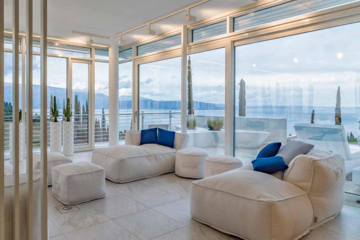 Villa for sale Lake Garda in 5-Stars Resort