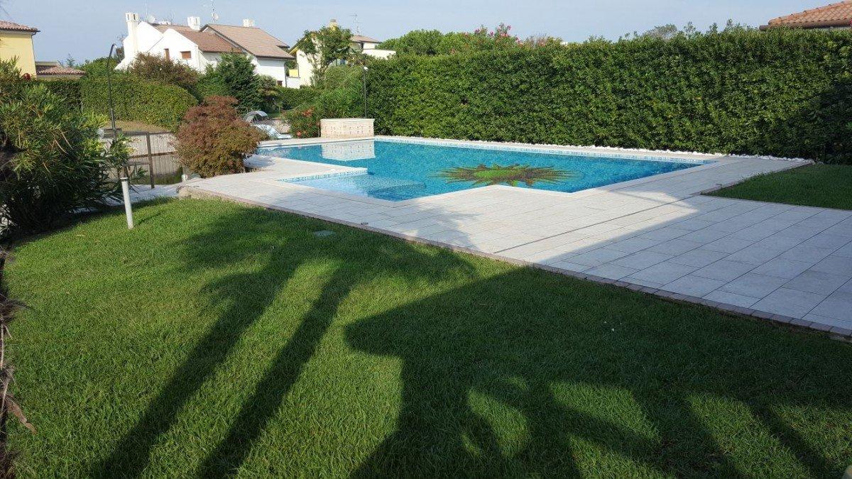 Villa in Albarella with private double dock
