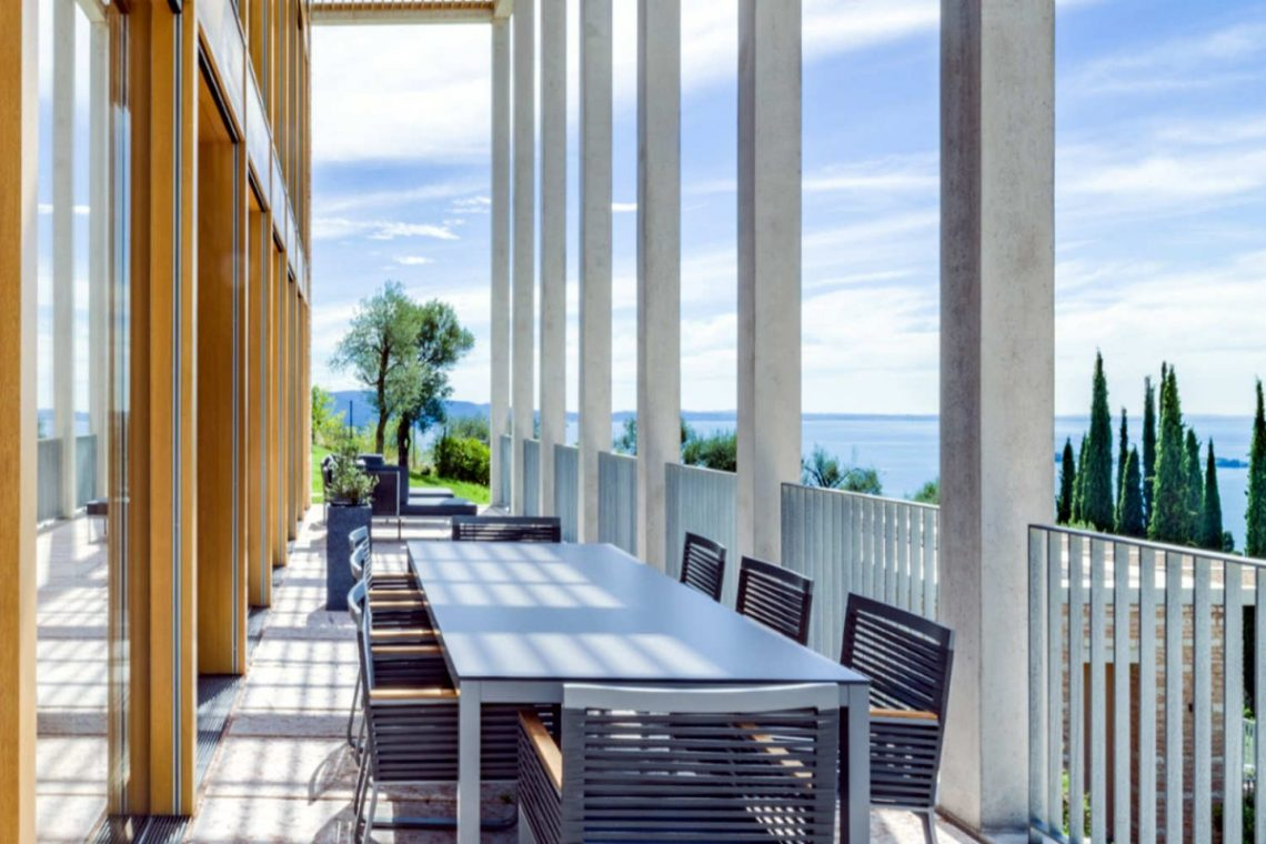 Villa on Lake Garda 05