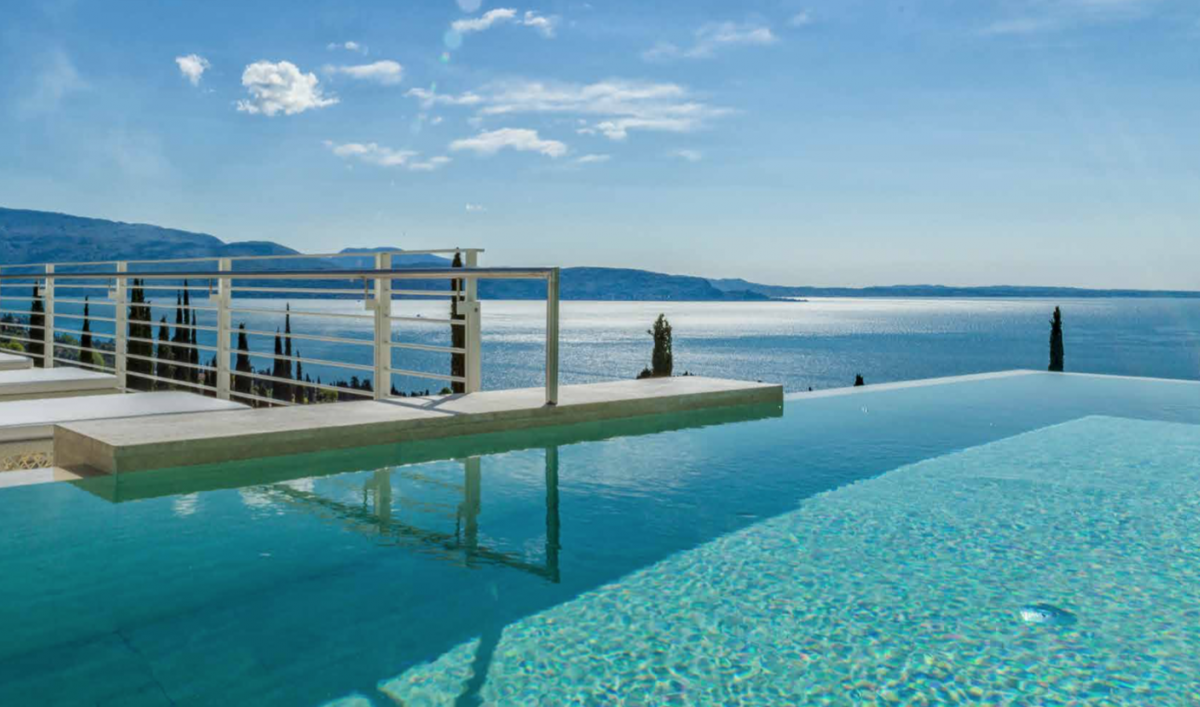 Villa Rent Lake Garda in 5-Stars Resort