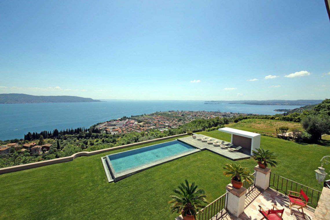 Historic Villa Lake Garda for Rent 04