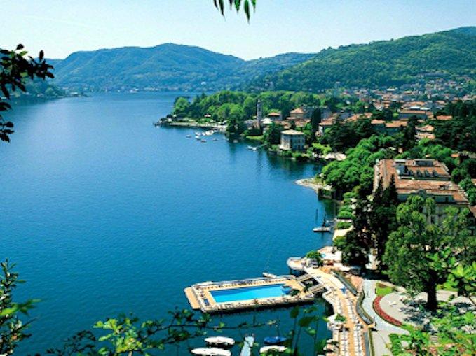 Lake Como Sale