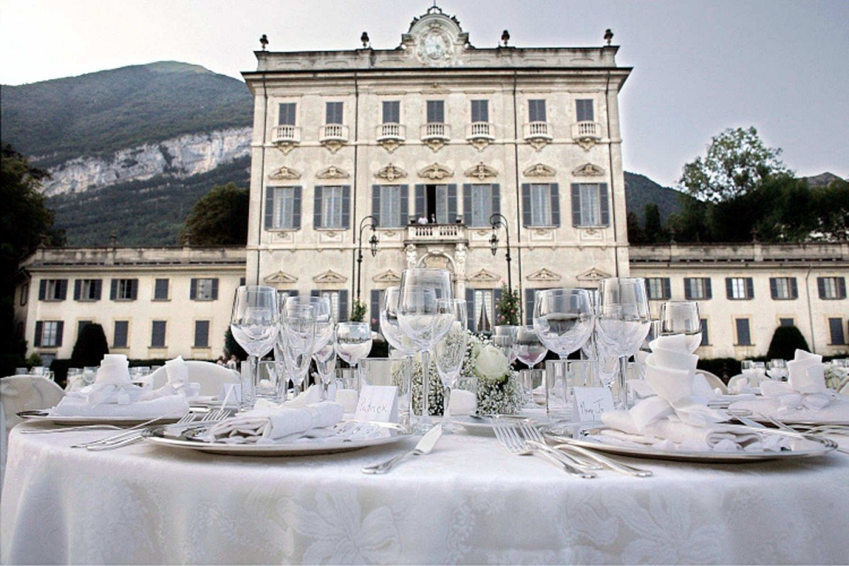 Lakefront Historic Villa Lake Como for rent with pool