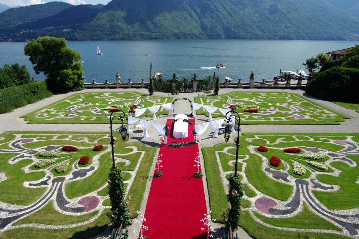 Lakefront Historic Villa Lake Como for rent with pool - 40