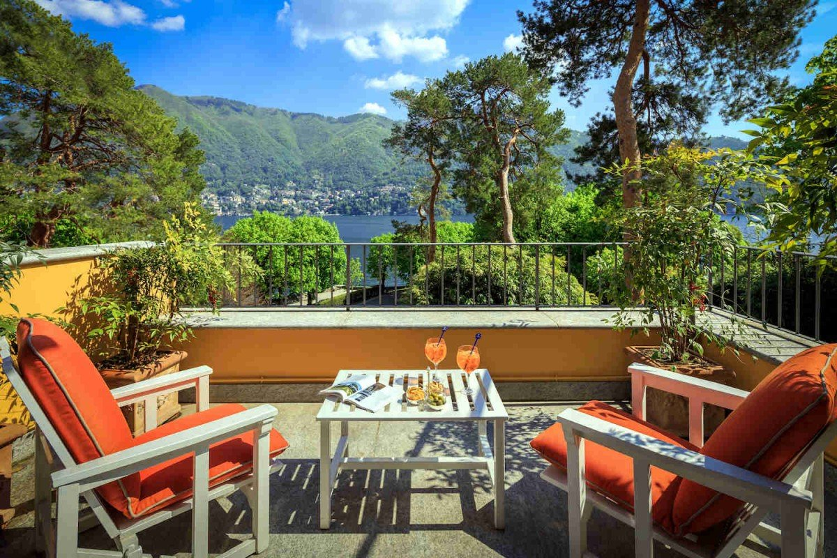 Historic Villa Lake Como rent built in 1860