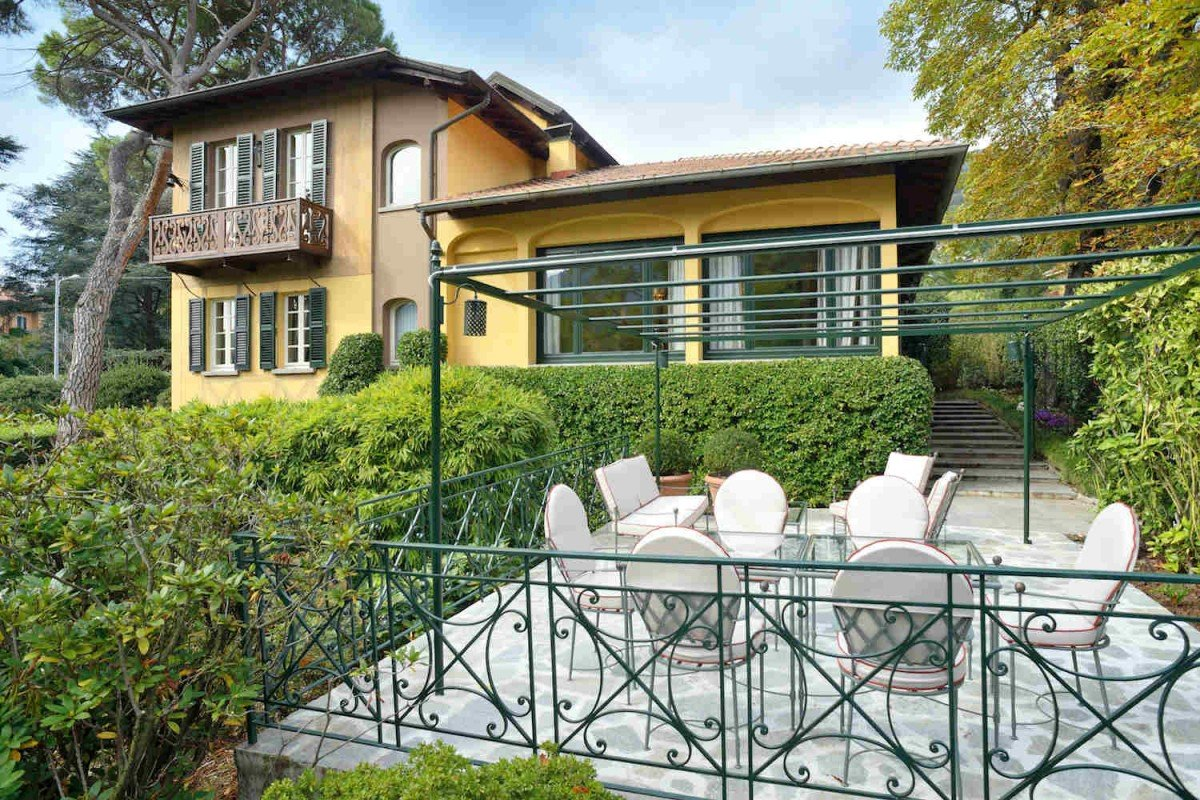 Historical Villa Lake Como rent built in 1833