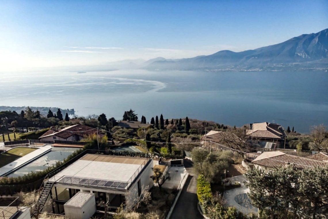 Lake Garda villa lake view 13